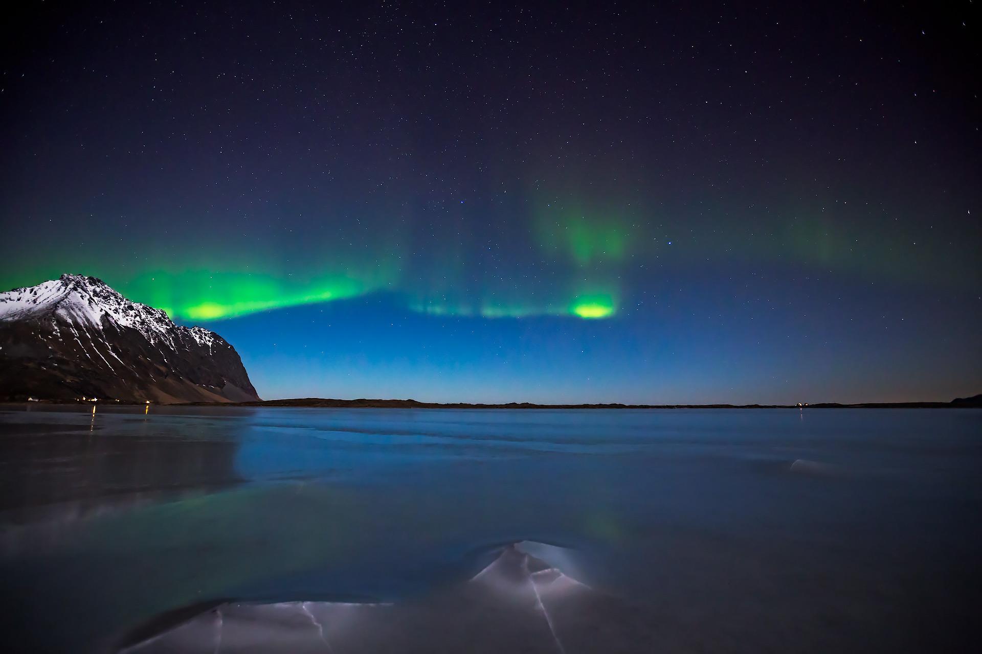 aurora lofoten ice