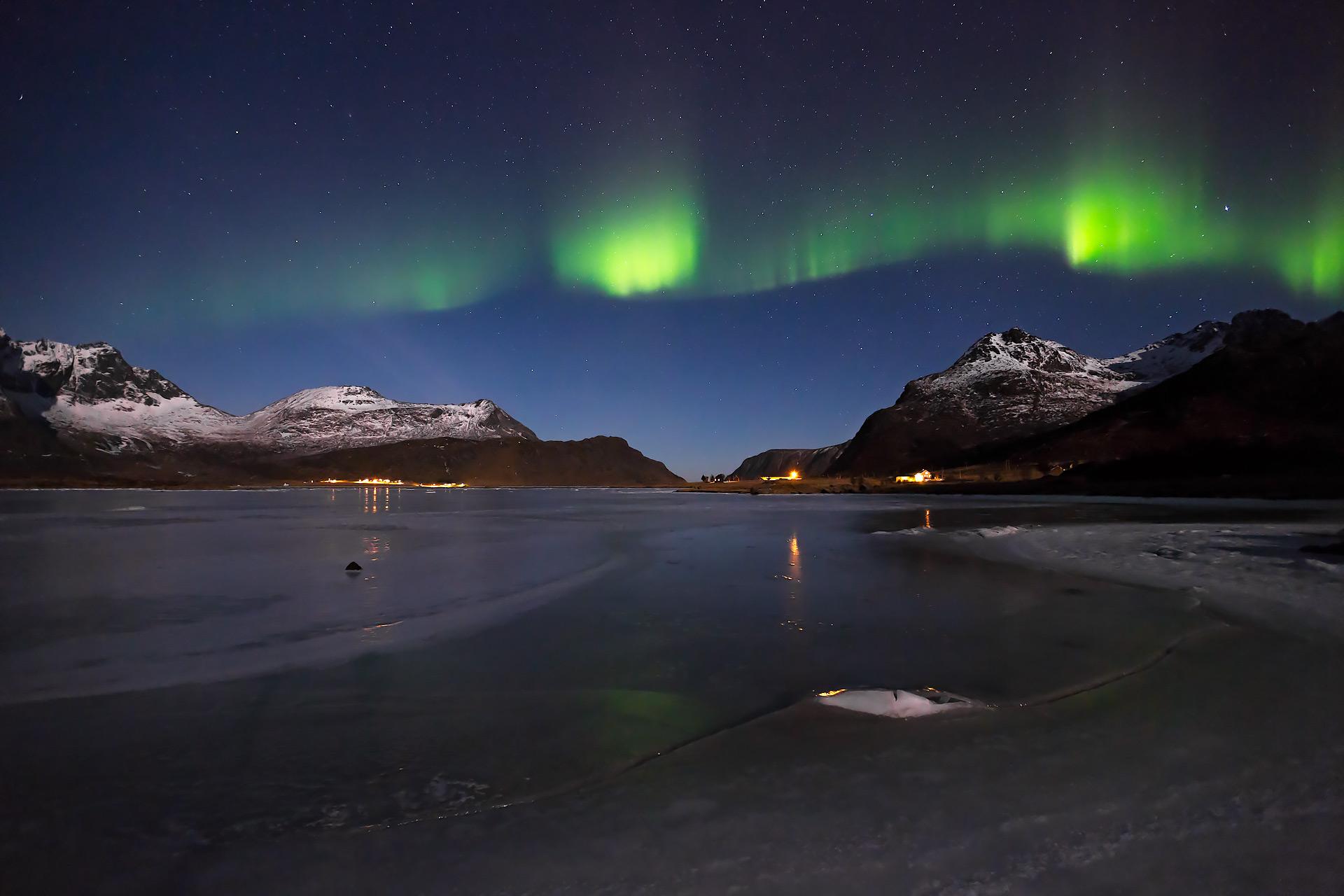 aurora ice lofoten